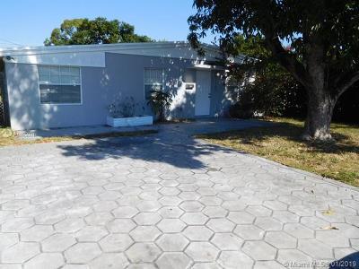 North Miami Beach Single Family Home For Sale: 1787 NE 182nd St