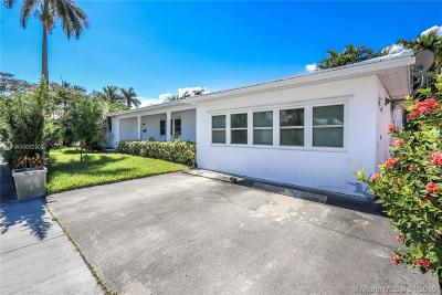 Hollywood Single Family Home For Sale: 110 S 10th Ave