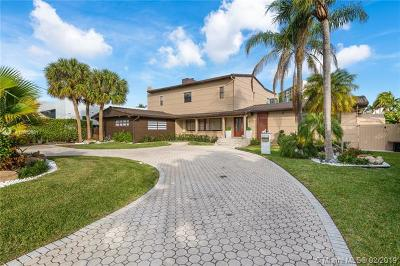 Hallandale Single Family Home For Sale: 418 Tamarind Dr