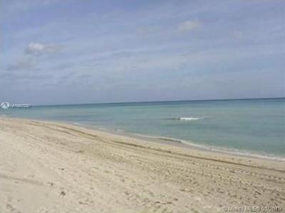 Miami Beach Condo For Sale: 5401 Collins Ave #1109