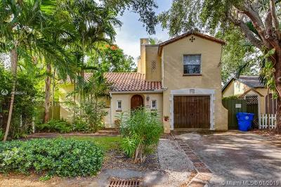 Coral Gables Single Family Home For Sale: 674 NE 70th St