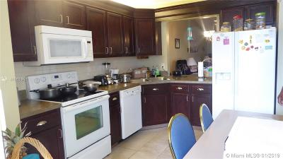 West Palm Beach Condo For Sale: 2641 W Gately Dr W #1406