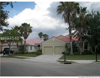 Single Family Home For Sale: 1290 Camellia Ln