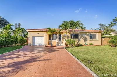 Biscayne Park Single Family Home For Sale: 961 NE 116th St