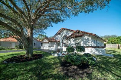 Davie Single Family Home For Sale: 2931 Hidden Hollow Ln