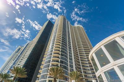 Sunny Isles Beach Condo For Sale: 17201 Collins Ave #1404