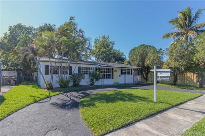 Sunrise Single Family Home Active With Contract: 6240 NW 14th Ct