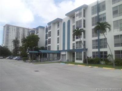 Sunny Isles Beach Condo For Sale: 17570 Atlantic Blvd #505