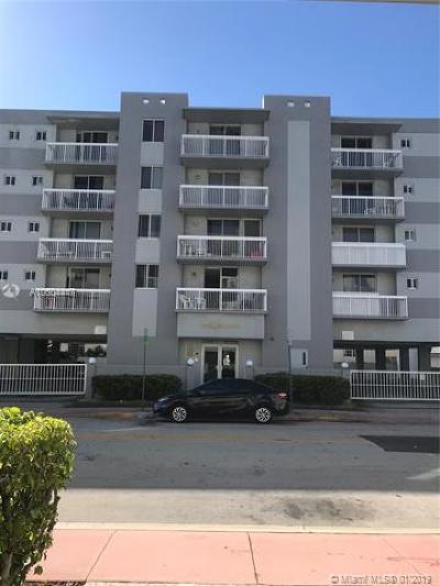 Miami Beach Condo For Sale: 3588 Collins Ave #405