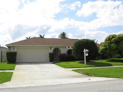 Deerfield Beach Single Family Home For Sale: 327 NW 41st Way
