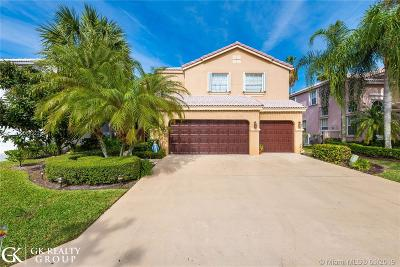 Coral Springs Single Family Home For Sale: 10677 NW 48th St