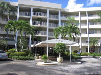 Pompano Beach Condo For Sale: 805 Cypress Blvd #210