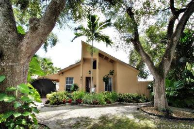 El Portal Single Family Home For Sale: 8601 NE 4th Ave Rd