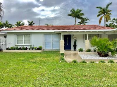 Fort Lauderdale Single Family Home For Sale: 1823 NE 17th Way