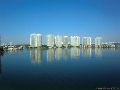 Sunny Isles Beach Condo For Sale: 17500 N Bay Rd #S606
