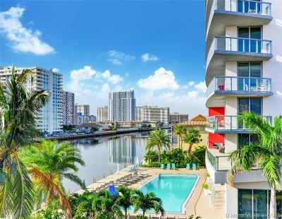 Beachwalk, Beachwalk Condominium, Beachwalk Condo Rental For Rent: 2600 E Hallandale Beach Blvd #PH3203