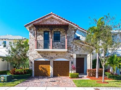 Doral Single Family Home For Sale: 7010 NW 104th Ct