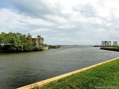 North Palm Beach Condo For Sale: 11370 Twelve Oaks Way #112