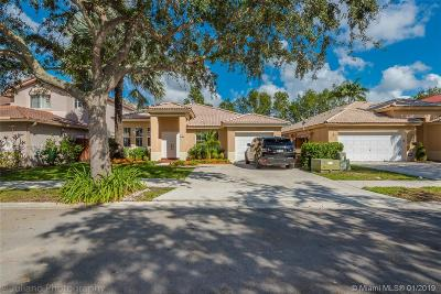 Davie Single Family Home Active With Contract: 408 E Garden Cove Cir