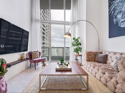 Condo Active With Contract: 485 Brickell Ave #4011