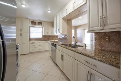 Delray Beach Single Family Home Active With Contract: 14284 Altocedro Dr