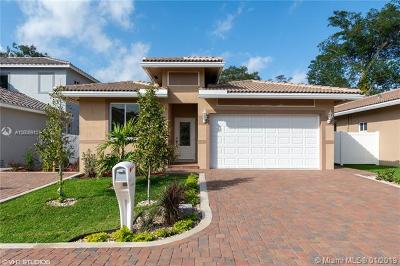Dania Beach Single Family Home For Sale: 5857 SW 39 Way