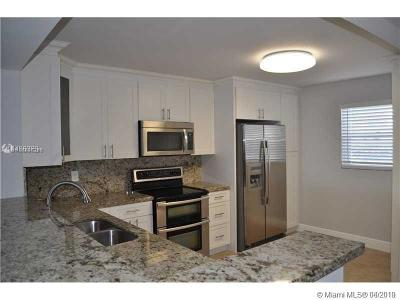 Hallandale Condo For Sale: 2313 NE 7th St #43