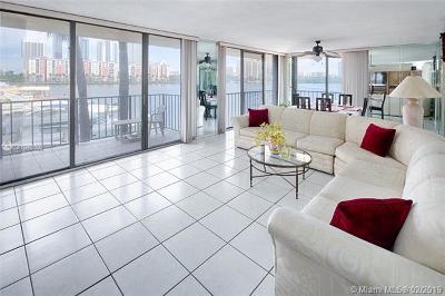 Sunny Isles Beach Condo For Sale: 290 174th St #M19