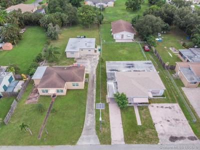 Dania Beach Multi Family Home For Sale: 4417 SW 52nd St