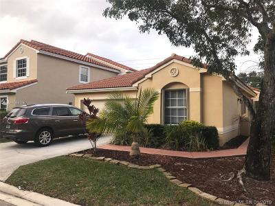 Coral Springs Single Family Home For Sale: 10905 NW 46th Dr