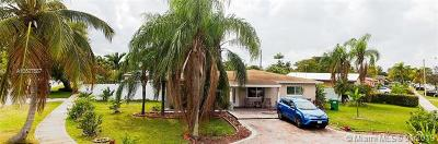 Cutler Bay Single Family Home For Sale: 9820 Martinique Dr