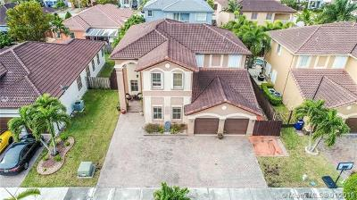 Hialeah Single Family Home For Sale: 18156 NW 89th Ct