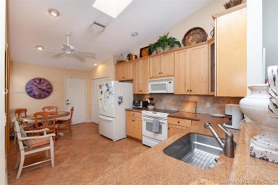 Boca Raton Condo For Sale: 8251 Sun Lake Dr #8251