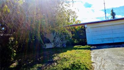 Miramar Single Family Home Active With Contract: 6736 Pansy Dr