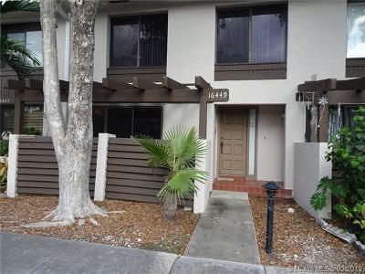 North Miami Beach Condo For Sale: 16449 NE 26th Ave #16