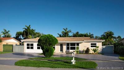 Miami Single Family Home Active With Contract