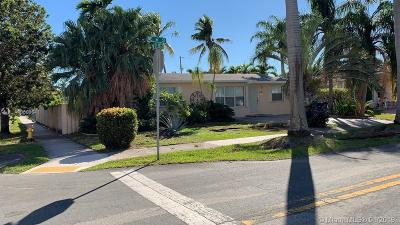 Hallandale Single Family Home For Sale: 1124 NE 6th St