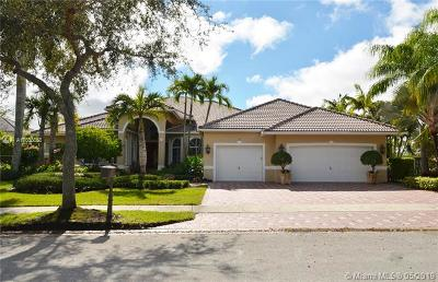 Weston Single Family Home For Sale: 142 Dockside Cir
