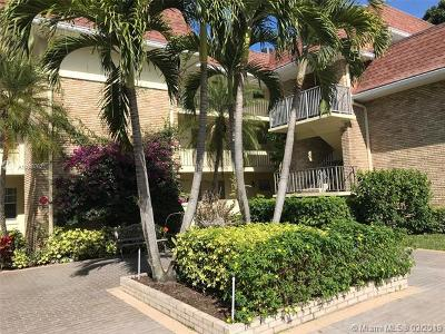 Palm Beach Gardens Condo For Sale: 5500 Tamberlane Cir #103