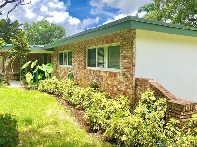 Plantation Single Family Home For Sale: 152 SW 59th Ave