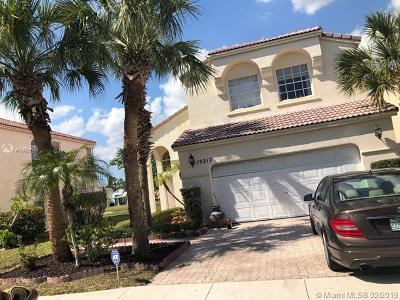 Pembroke Pines Single Family Home For Sale: 15217 NW 4th St