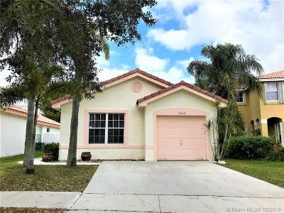 Miramar Single Family Home Active With Contract: 2623 SW 177th Ter