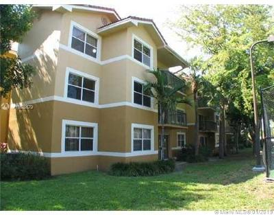 Coral Springs Condo For Sale: 8955 Wiles Rd #108