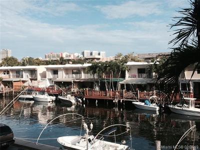 North Miami Beach Condo For Sale: 3770 NE 171st St #204