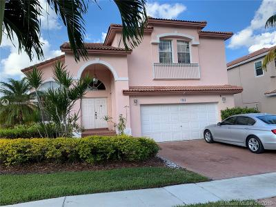 Pembroke Pines Single Family Home Active With Contract: 1034 NW 184th Way