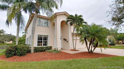 Pembroke Pines Single Family Home For Sale: 1599 NW 168th Ave