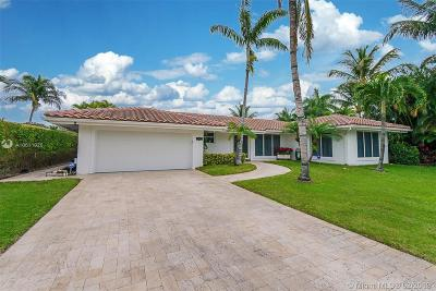 Deerfield Beach FL Single Family Home Active With Contract: $1,100,000