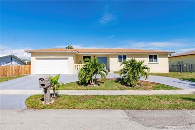 Cutler Bay Single Family Home For Sale: 8085 SW 205th Ter
