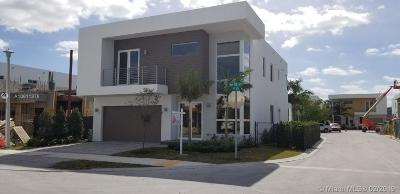 Doral Single Family Home For Sale: 9750 NW 75th St