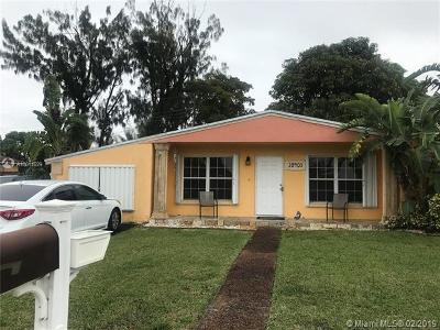 Miami Gardens Single Family Home For Sale: 20403 NW 22nd Pl